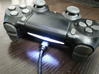 PS4 コントローラー 白 点滅